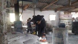 Yabancı uyruklu işçi elini makineye kaptırdı