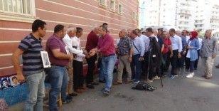 Tosya Kaymakamı Pişkin'den, HDP önünde evlat nöbeti tutan ailelere destek ziyareti