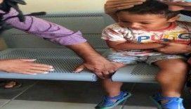 Ayağı sandalyeye sıkışan çocuğu itfaiye kurtardı