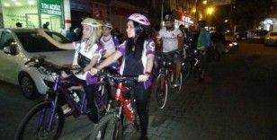 Kadınlar hayvanların korunması için pedal çevirdi