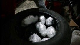 Lastikte zulalanan 1,5 kilo skunk maddesi ele geçirildi