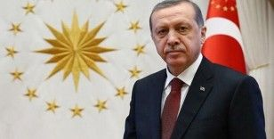 """Cumhurbaşkanı Erdoğan: """"Tecrübe ile sabit ki, biz milletimize sürekli hakikatleri anlatmaz, doğruları göstermez, hizmetlerimizi kayıtlara geçirmezsek yalan ve iftira dalgaları her tarafı işgal ediyor."""