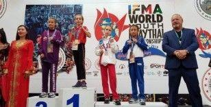 Samsunlu 2 genç kız Dünya Muaythai şampiyonu oldu