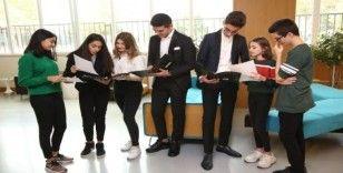 Lise öğrencileri liderlik için yarıştı