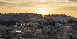 Kudüs duvarlarla adeta kamplara dönüştürülmüş durumda