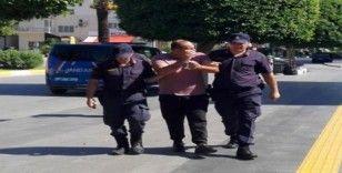 Tur şirketi şoförü hırsızlıktan tutuklandı, üzerinden çıkan şoke etti