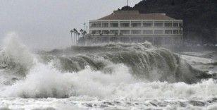 Japonya'da tayfun endişesi