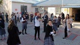Ağrı'da öğrenciler her sabah derse sporla başlıyor