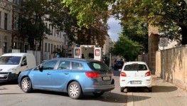 Almanya'da sinagog yakınında makineli tüfekle saldırı