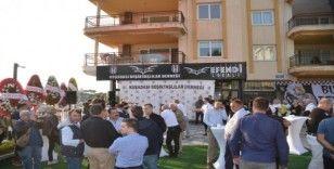 Kuşadası Beşiktaşlılar Derneği'nin açılışını, Galasataraylı Başkan yaptı