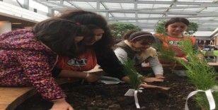 Kız çocuklarının 'en çevreci' kutlaması