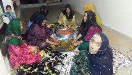 Barış Pınarı Harekatı'na katılan askerler için yemek yapıyorlar
