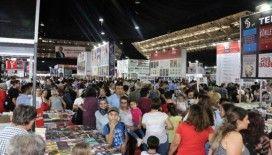 Antalya Kitap Fuarı'na yoğun ilgi