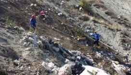 Hayvanları telef eden çöpleri topladılar