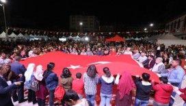 Mehmetçik'e destek sürüyor