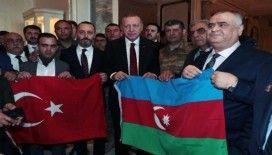 Cumhurbaşkanı Erdoğan, Gaziler Derneği üyeleri ile sohbet etti
