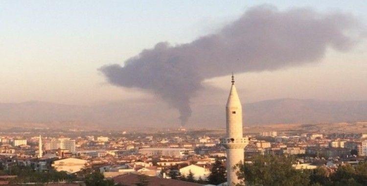 Elazığ'daki fabrika yangınını söndürme çalışmaları sürüyor