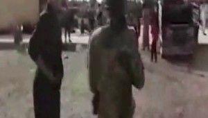 Askerlerinden teröristlerin zulmünden kaçan sivillere yardım