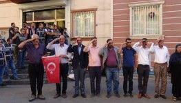 HDP önündeki ailelerden Barış Pınarı Harekatı'na destek