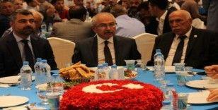 """Vali Yaman: """"Mardin olarak güçlü bir sesle ordumuzun yanındayız diye haykırıyoruz"""""""