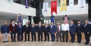 """""""Adana Ayakkabı ve Moda Tasarım Merkezi"""" açıldı"""