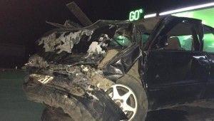 Kazada sıkışan sürücü itfaiye tarafından kurtarıldı