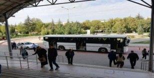 Kahraman şoför, üniversite otobüsünde rahatsızlanan genç kızın hayatını kurtardı