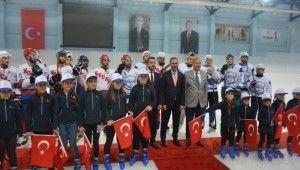 Bursa'nın ilk Olimpik Buz Pateni-Hokeyi Salonu açıldı