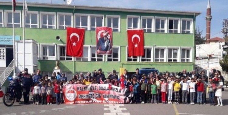 Kızılcahamamlı öğrencilerden Barış Pınarı Harekatı'na destek