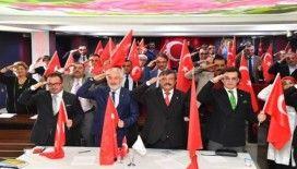 Tüm meclis üyeleri ortak kararda birleşti, hepsi imza atarak, oy birliğiyle kabul etti
