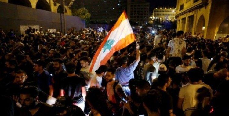 Lübnan'da yeni vergi uygulaması protesto edildi