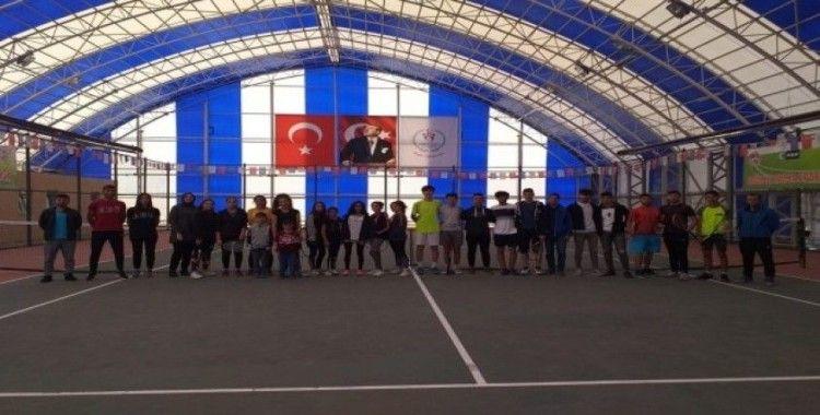 Genç Raketler Amatör Spor Haftasında Raket Salladı