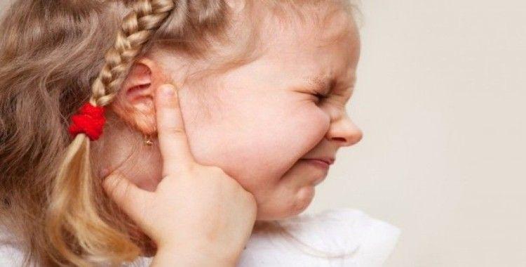 """""""Çocuğunuzun huzursuzluğu kulağından kaynaklanabilir"""""""