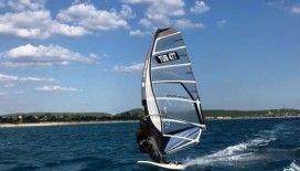 Saros'un rüzgarı 'sezonu uzatmaya' esiyor