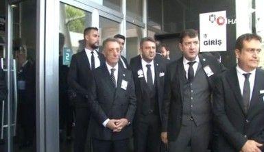 Başkan adayları üyeleri kapıda karşıladı