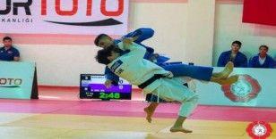 Kağıtsporlu judocular namağlup şampiyon oldu