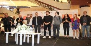 """İzmir'de Cem Yılmaz'lı """"Karakomik Filmler"""" galası"""