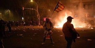 Katalonya'da birinci haftasını dolduran gösterilerde ağır bilanço