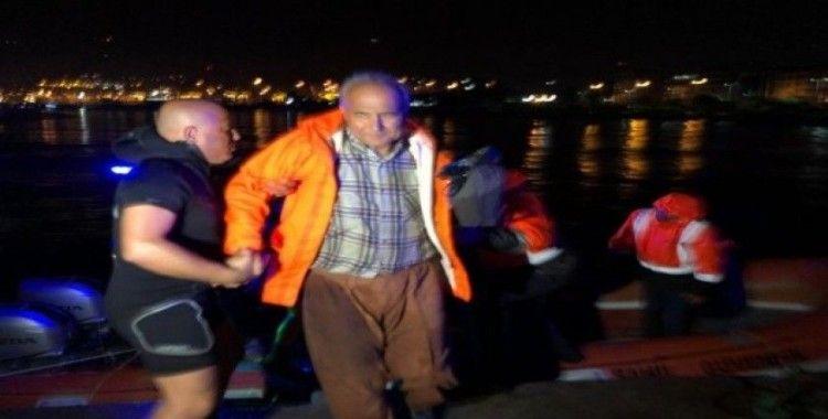 İskenderun körfezinde şiddetli yağmur ve fırtına balıkçıları canından ediyordu