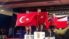 Milli halterci Romanya'da tarih yazdı