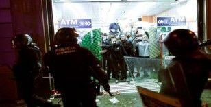 İspanya'da hafta sonu 350 bin Katalan sokaklara döküldü