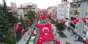 Nevşehir sokakları ay-yıldıza büründü