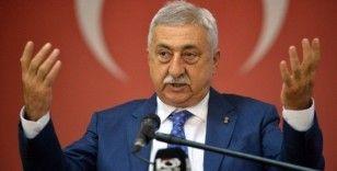 'Türkçe tabela kullananlara vergi indirimi imkanı getirilmeli'