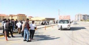 Karaman'da kamyonetin çarptığı lise öğrencisi ağır yaralandı