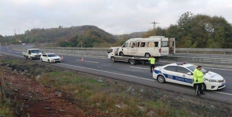Madencileri taşıyan işçi servisi kaza yaptı: 14 yaralı