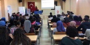 Gediz MYO'da 'Hayat Arkadaşımı Nasıl Seçerim' konulu seminer
