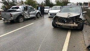 Bursa'da sis yüzünden 16 araç birbirine girdi 5 yaralı