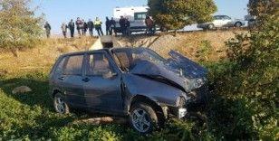 Şarampole inen otomobil ağaca çarptı: 5 yaralı