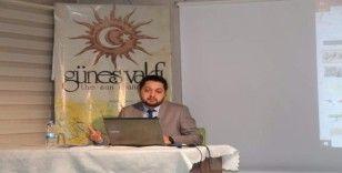 Dr. Mustafa Tayfun Üstün Güneş Vakfı'nın konuğu oldu