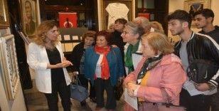 Atatürk müzesini ziyaret edenler gözyaşlarına hakim olamadı